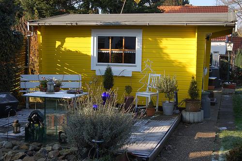 gartenhaus aufbauen 5 tipps die zu beruecksichtigen sind frag den architekt. Black Bedroom Furniture Sets. Home Design Ideas